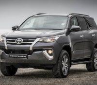 Tại sao doanh số Toyota Fortuner tụt dốc chóng vánh?