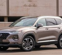 """Hyundai SantaFe lại """"vượt mặt"""" Toyota Fortuner trong phân khúc SUV 7 chỗ tháng 5"""