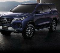 Ra mắt Toyota Fortuner 2021 – 'Vua SUV 7 chỗ' sửa thiết kế, đáp trả Hyundai Santa Fe