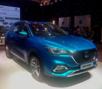 Bộ đôi MG ZS và HS chính thức ra mắt thị trường Việt Nam, giá cao nhất lên tới gần 1 tỷ đồng